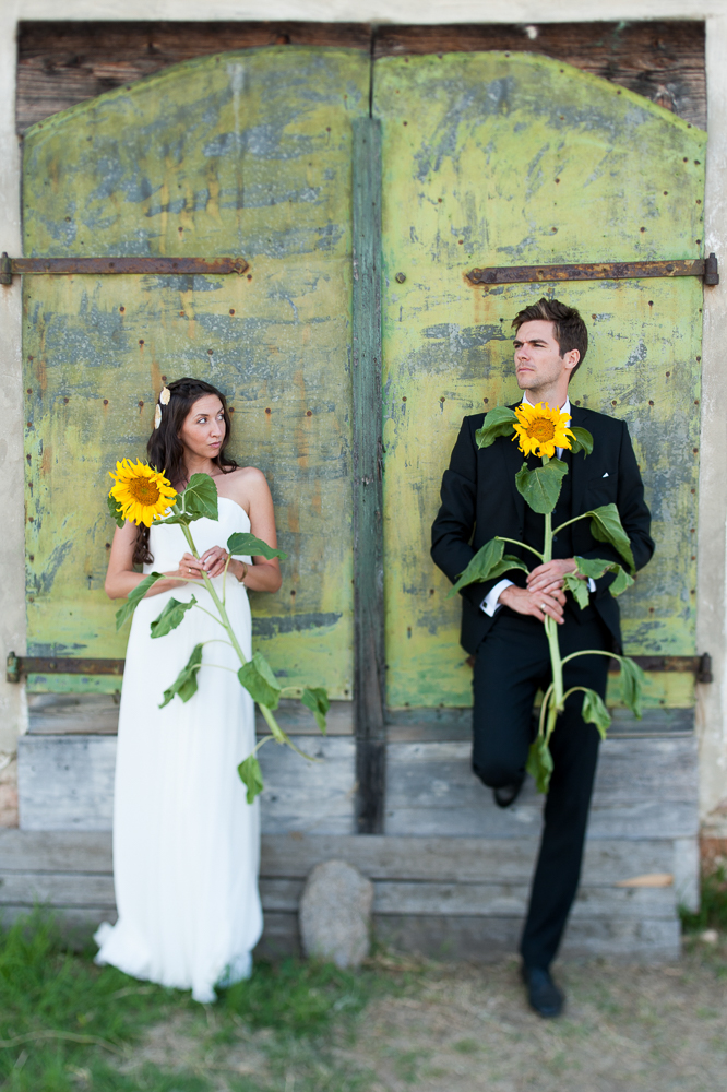 sunflower-wedding-photograph-bridal-couple-green-door